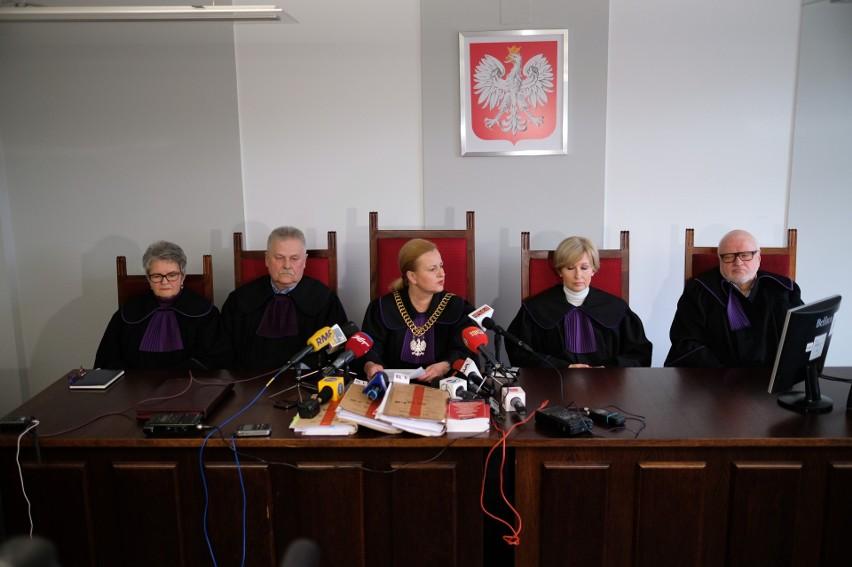 Sąd zdecydował, że nie ma przesłanek, by nadal stosować...