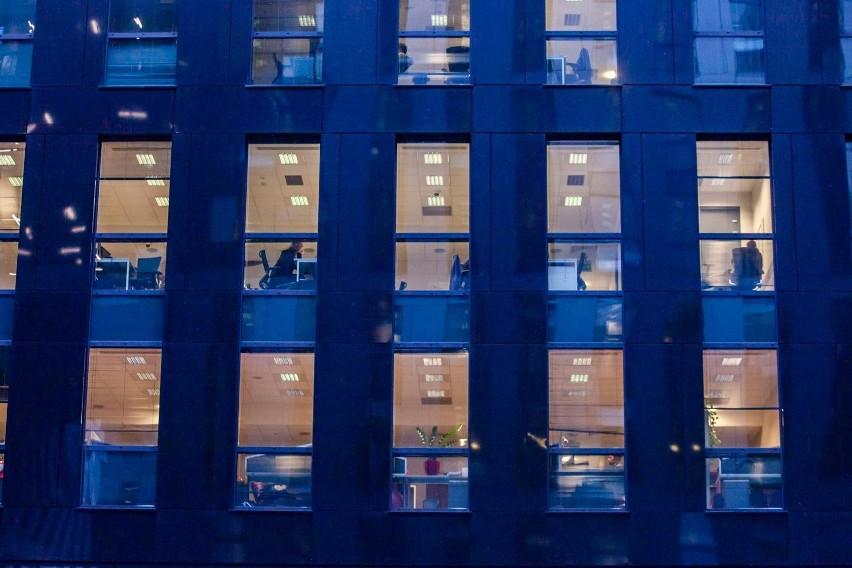 Nie będzie mnożenia bytów: praca zdalna zastąpi w kodeksie pracy telepracę, ale to nie rozwiązuje problemu, bo elastycznych form pracy, które są przyszłością rynku, jest zdecydowanie więcej. Mała nowelizacja kodeksu pracy poprzedzi więc dużą?