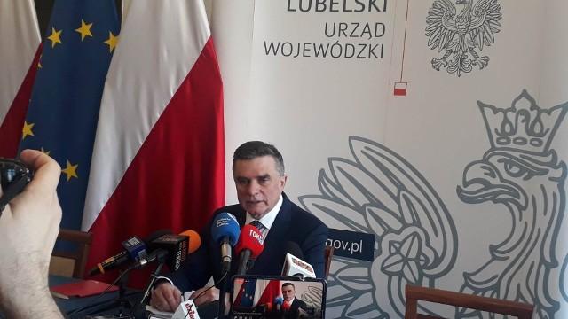 Lech Sprawka na poniedziałkowej konferencji prasowej