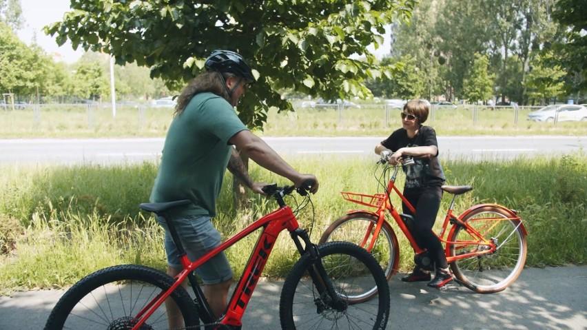 """""""Bezpiecznie na kołach"""". Jeździsz na rowerze? Musisz wiedzieć jak upadać!"""