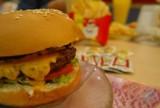 Ceny fast foodów w górę. Minister szuka pieniędzy
