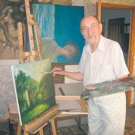 - Nie mogę żyć bez malowania, a dla mnie najważniejszy jest człowiek i jego emocje - mówi Ryszard Tomczak.