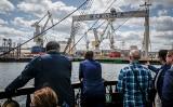 Port Gdynia ogłosił realizację kolejnego etapu pogłębiania toru podejściowego. Pozwoli to na zawinięcia największych statków [zdjęcia wideo]