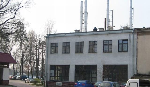 Szpitalną spalarnię od najbliższego bloku przy ulicy Mickiewicza dzieli około 80 metrów.