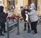 Awantura na Piotrkowskiej. Kobieta została uderzona w twarz! O co poszło? ZDJĘCIA, FILM