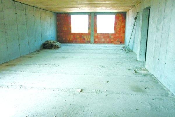 Mieszkanie będzie miało duży balkon, trzy pokoje i aneks kuchenny. Znajdą się w nim też dwie łazienki. To idealna przestrzeń nawet dla sporej rodziny.