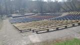 Czytelnik: Ktoś sprząta Chełmno? W zrujnowanym amfiteatrze robią popijawy i zostają góry śmieci