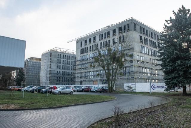 Dalsza budowa szpitala dziecięcego, zakup nowych elfów czy modernizacja sceny Teatru Wielkiego to tylko przykładowe inwestycje realizowane z przyszłorocznego budżetu Wielkopolski