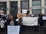 """Jest porozumienie z pracownikami sądów i prokuratur. Średnio 900 zł podwyżki i koniec """"miasteczka"""" protestacyjnego"""