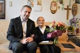Irena Rzepa - najstarsza mieszkanka gminy Chmielnik właśnie skończyła 104 lata! Wyniki badań ma jak nastolatka, czyta bez okularów [ZDJĘCIA]