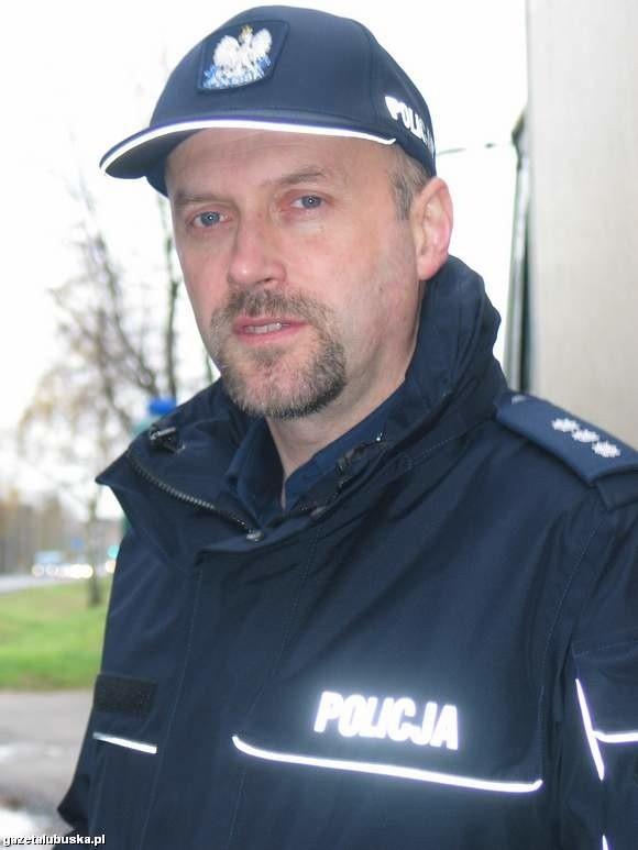 """Rzecznik B. Kaleta zepewnia, że """"Dni otwarte"""" policji zawsze cieszyły sie wielkim zainteresowaniem wśród głogowskich maluchów"""