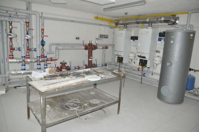 Nowoczesna kotłownia gazowa w piwnicy hospicjum, jeden z ostatnich nabytków