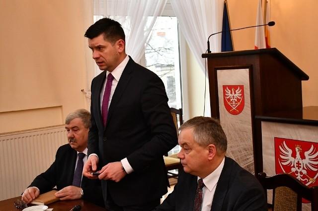 Marszałek Łukasz Smółka na spotkaniu w Miechowie