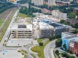 """Centrum Usług Publicznych w Opolu. Z budowy nowego urzędu miasta i """"skarbówki"""" zniknęły żurawie [ZDJĘCIA]"""