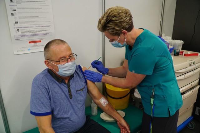 W tym tygodniu w punkcie szczepień na MTP zaszczepi się ponad 17 tysięcy osób.