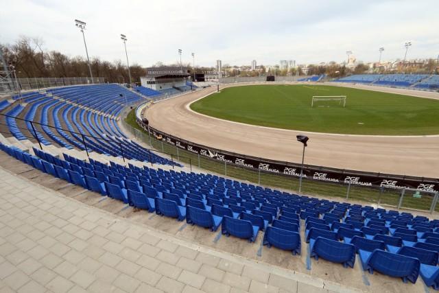 Obecny stadion żużlowy podczas remontu w kwietniu 2020 roku