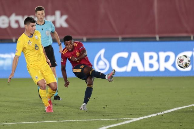 """Ansu Fati zachwycił w meczu kadry Hiszpanii. """"Jego pewność jest nienormalna"""""""