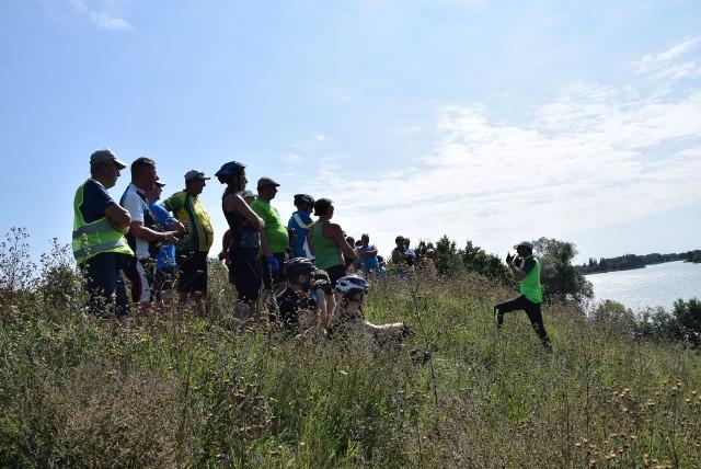 Podczas rajdu turyści zwiedzą m. in. widoczne na zdjęci grodzisko nad Gopłem w Mietlicy