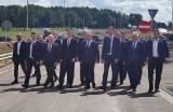 Piątnica Poduchowna. Uroczyste otwarcie odcinka drogi S61 Via Baltica. Premier Mateusz Morawiecki przyjechał przeciąć wstęgę (zdjęcia)