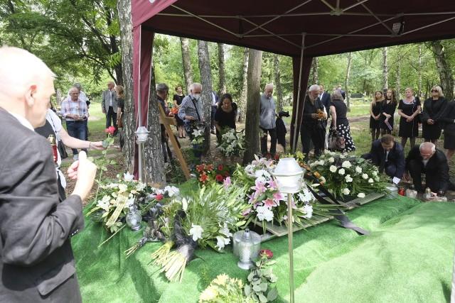 W pogrzebie Jacka Portali uczestniczyli najbliżsi, znajomi, koledzy po fachu i sympatycy sportu żużlowego