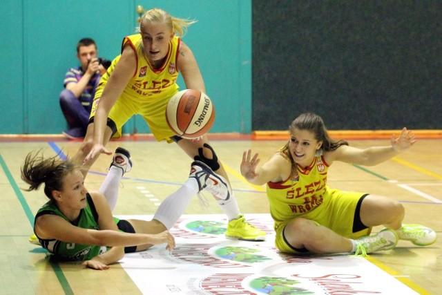 Monika Jasnowska (u góry) zdobyła aż 20 punktów dla Ślęzy