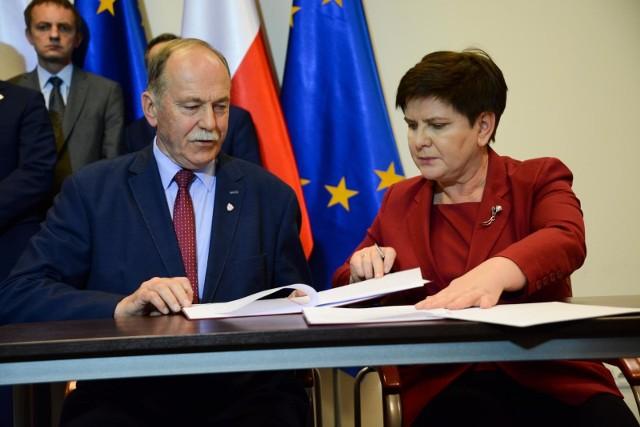 Wielkopolscy związkowcy domagają się odwołania szefa oświatowej Solidarności Ryszarda Proksy.