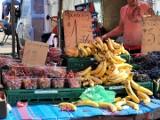 Niedzielna giełda przy Andersa. Tutaj kupisz wszystko: świeże warzywa, owoce, kwiaty, rowery, a nawet samochód (ZDJĘCIA)