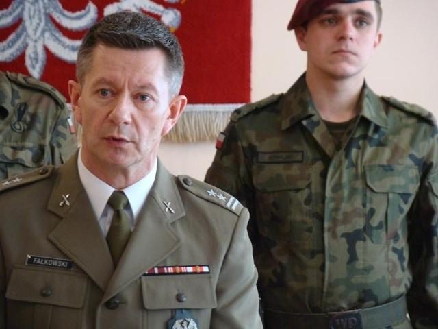 Szef WKU w Oświęcimiu ppłk Wojciech Fałkowski
