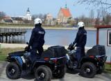 Policjanci na quadach patrolują Szydłowiec. Uwaga, tymi pojazdami mogą wjechać wszędzie, nikt się przed nimi nie ukryje