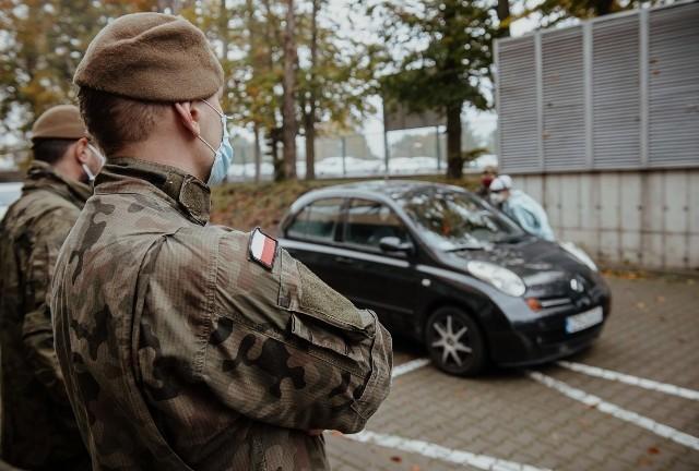 Testy na koronawiruasa w Szczecinie. Ruszył trzeci punkt pobrań wymazów