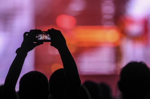 Nie wszystkie zdjęcia z naszych telefonów  przesyłane na zewnętrzny serwer powinny ujrzeć światło dzienne.