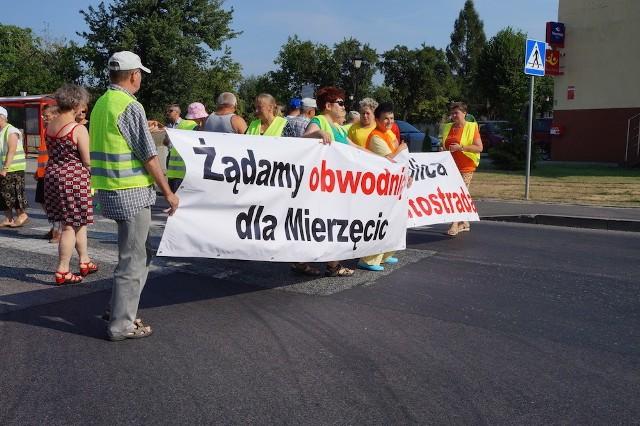 Blokada DK78 w Mierzęcicach