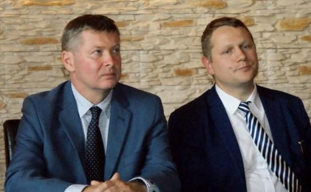 Tomasz Stawiński (na zdjęciu z lewej) w piątek został odwołany z funkcji prezesa Mesko S.A. Dwa miesiące temu stanowisko stracił jego zastępca, Gabriel Nowina - Konopka (z prawej).