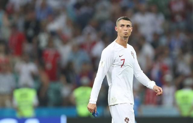Przypuszczenia i dywagacje stały się faktem. Cristiano Ronaldo od nowego sezonu będzie występował w barwach Juventusu Turyn. Odejście Portugalczyka z Realu Madryt jest niemałym szokiem, ale kibice najczęściej zadają teraz pytanie: Kto zastąpi CR7? Czy jest w ogóle piłkarz, który mógłby zastąpić Ronaldo? Oto lista potencjalnych następców.