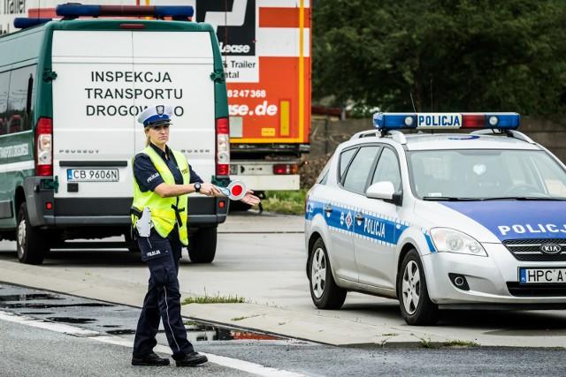 Od początku wakacji inspektorzy ITD przeprowadzili 26,9 tys. kontroli drogowych ciężarówek, samochodów dostawczych i pojazdów transportu publicznego.