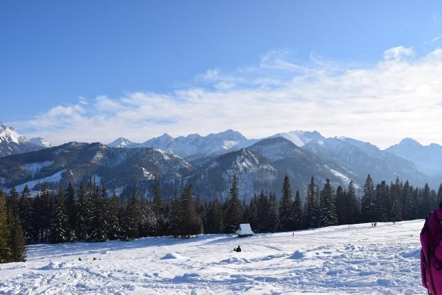 Warto wcześniej wstać i wybrać się na wycieczkę w Tatry. Tu znajdziemy prawdziwą zimę  Zobacz kolejne zdjęcia/plansze. Przesuwaj zdjęcia w prawo - naciśnij strzałkę lub przycisk NASTĘPNE