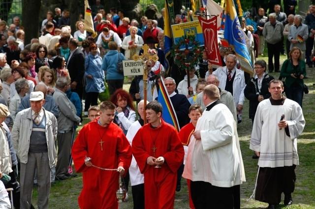 Odbywająca się co roku na Górze św.      Anny w pierwszą niedzielę czerwca pielgrzymka mniejszości jest nawiązaniem do tamtej mszy św.  z 1989 r.
