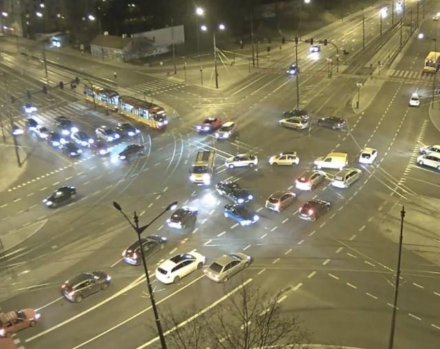 Chaos na skrzyżowaniu marszałków