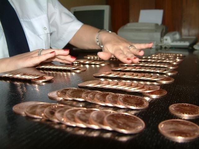 One penny - oszuści sprzedają bezwartościowe monety wmawiając starszym, że pieniądze są ze złota