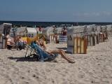 Wakacje w Kołobrzegu na zdjęciach turystów. Pogoda sprzyja wypoczynkowi na plaży i spacerom po molo. Jest pięknie!
