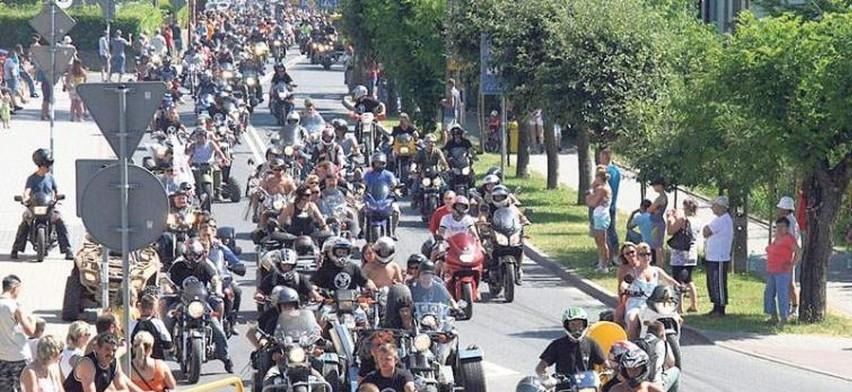 """Highway to Freedom to akt solidarności z Białorusinami. Na zdjęciu: Międzynarodowy Zlot Motocykli """"Nad Zalewem"""" w Polanowie"""