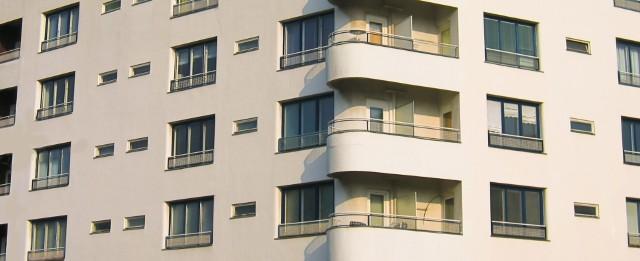 Blok mieszkalnyRynek najmu mieszkań w największych polskich miastach
