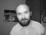 Pogrzeb Krzysztofa Szymczyka w sobotę w Opolu. Ostatnie pożegnanie wieloletniego korektora nto na cmentarzu w Półwsi
