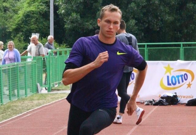 Konrad Owczarek zwyciężył w skoku wzwyż z wynikiem 215 cm.