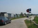 Setki interwencji straży miejskiej nad Jeziorem Tarnobrzeskim. Kierowcy bagatelizują przepisy