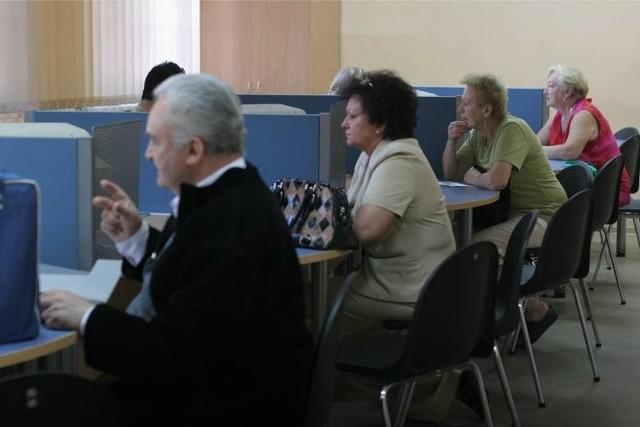 Wiek emerytalny i wcześniejsze emerytury. Projekt w sprawie emerytur stażowych trafił do Prezydenta. Nowa emerytura nie powinna być niższa od minimalnej