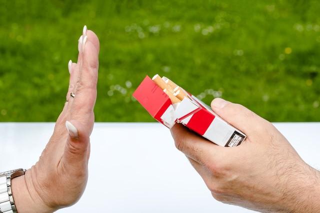 Jak skutecznie rzucić palenie? Jest na to kilka sprawdzonych sposobów.
