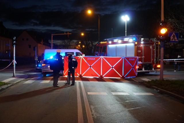 Do tragicznego wypadku na ul. Opolskiej w Poznaniu, gdzie zginęła 8-letnia Maja, doszło 28 listopada. Wszystko wskazuje na to, że 69-letnia kobieta, która prowadziła samochód, w przyszłym tygodniu usłyszy zarzuty
