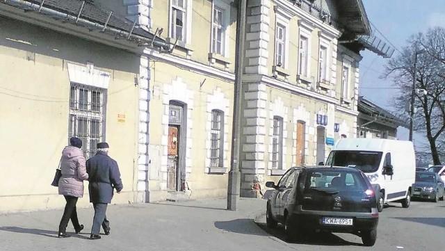Zabytkowy budynek dworca zostanie zaadaptowany na działalność czytelniczo-kulturalną