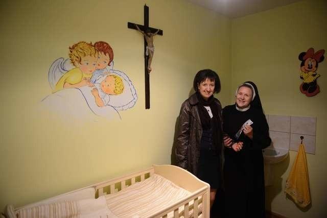 Przełożona sióstr elżbietanek siostra Mirosława i Grażyna Godlewska Diecezjalny Ośrodek Adopcyjny w Toruniu